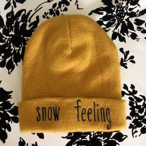 "ZARA ""snow feeling"" beaning in mustard"
